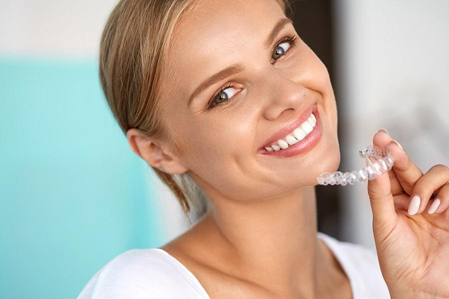 Hĺbkové bielenie zubov
